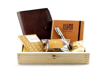Bí quyết gây ấn tượng với khách hàng bằng quà tặng